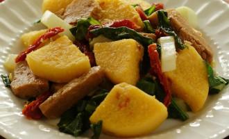 polenta-skillet-with-greens