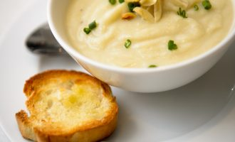 Almond & Cauliflower Soup