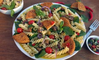 pasta, olives & capers salad with Quorn Vegan Spicy Burgers by Videhi (1024x606)