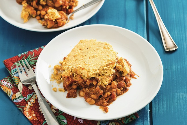 But-I-Could-Never-Go-Vegan.Maple-Baked-Beans-with-Cornbread-Topping-3-1